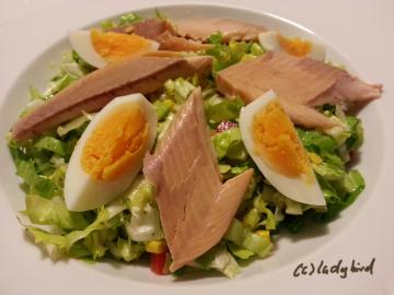 Forelle mit Salat